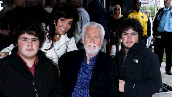 Who Is Jordan Edward Rogers Kenny Rogers Son Bio Wiki Age Parents Father Twin Siblings And Net Worth